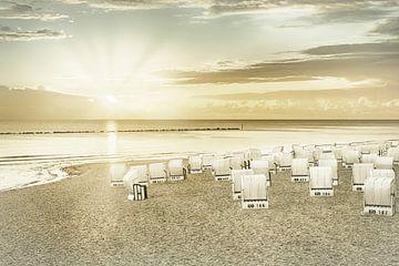 OSTSEE Sonnenaufgang am Strand | Vintage von Melanie Viola