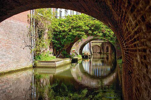 De Kromme Nieuwegracht in Utrecht in de lente (5) van