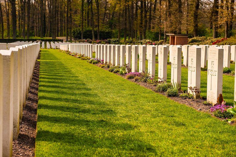 Airborne War Cemetery van Brian Morgan