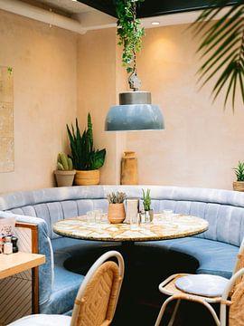 Modern café in Parijs | Frankrijk reizen pastel fine art fotografie