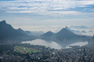 Uitzicht over Rio de Janeiro vanuit Vidigal van Kaj Hendriks
