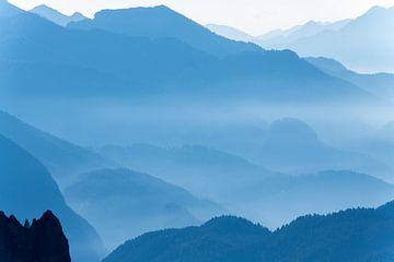 Een vroege ochtend in de Italiaanse Dolomieten van Gerry van Roosmalen