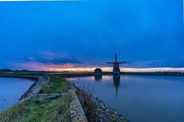 Molen Het Noorden Texel zonsondergang somber van Texel360Fotografie Richard Heerschap