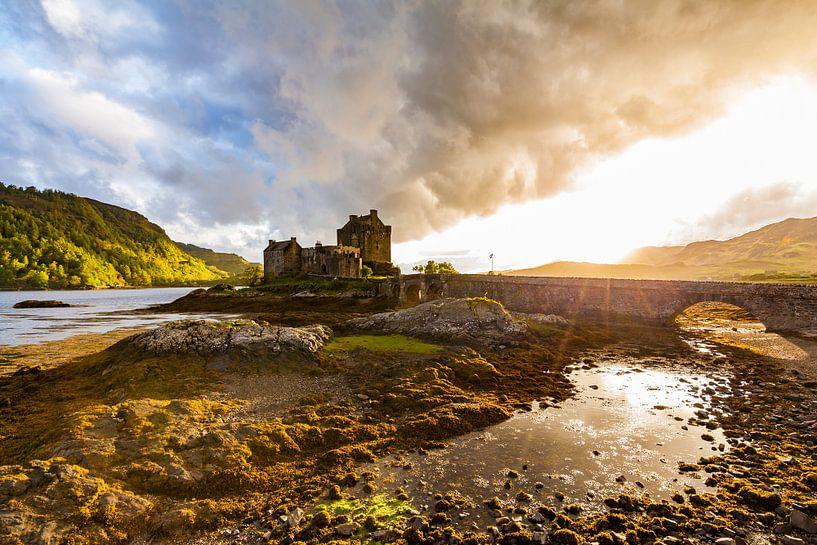 Eilean Donan Castle in Scotland van Werner Dieterich