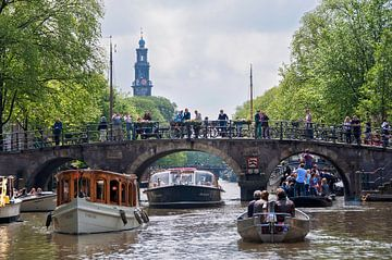 Vaartocht over de Amsterdamse grachten van Anouschka Hendriks