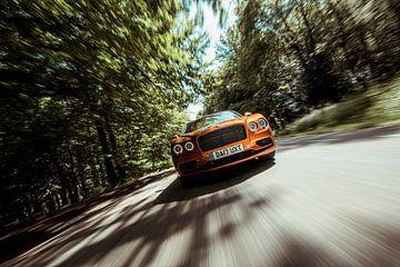 Bentley im voller Fahrt