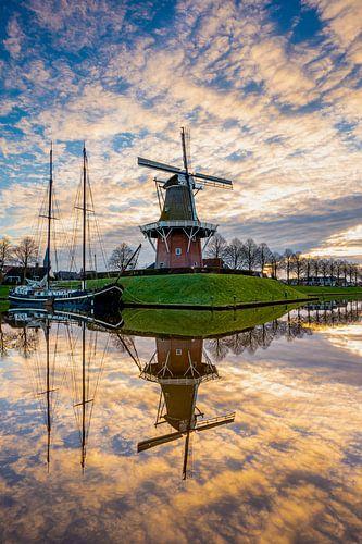 Zonsopkomst bij de molen Zeldenrust in Dokkum