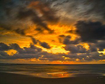 Coucher de soleil Katwijk aan Zee sur Wim van Beelen
