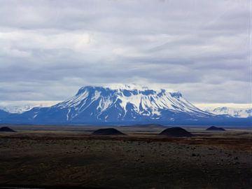 Gebirgslandschaft Island von Maurice Dawson