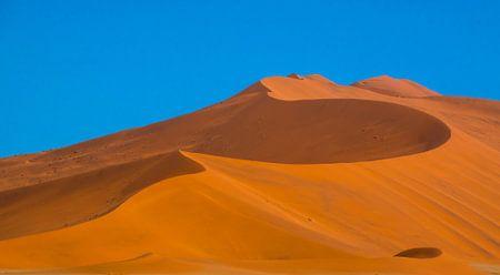 Schöne Linien in den roten Dünen von Sossusvlei, Namibia