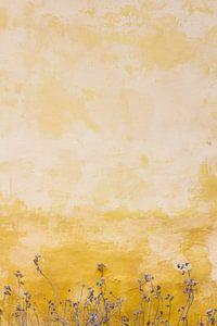 Bloemen tegen een okergele muur. van Johan V