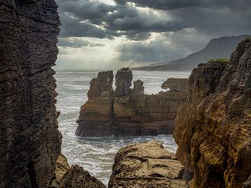 De ruwe westkust van het zuidereiland van Nieuw-Zeeland van Rik Pijnenburg