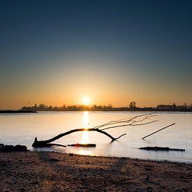 lever du soleil au-dessus de l'eau sur Patrick Verhoef
