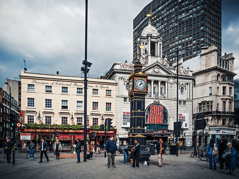 London - Victoria Station van Alexander Voss