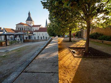 Aus zwei wird eins / La Charité sur Loire von Martijn Joosse