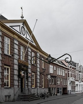 Gezellige straat in Bergen op Zoom van Kim de Been
