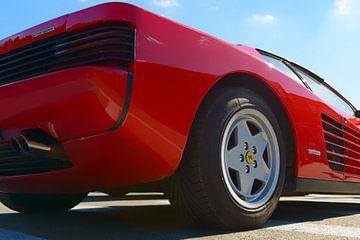 Rückansicht des Sportwagens Red Ferrari Testarossa 1980er Jahre von Sjoerd van der Wal