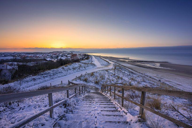 Zoutelande in de sneeuw van Thom Brouwer