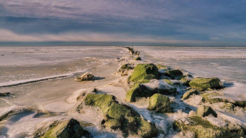 Golfbreker onder het ijs van eric van der eijk