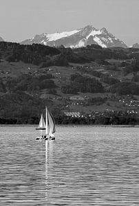 Zeilboot op de een meer van Heino Minnema