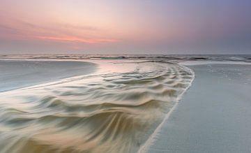 Violette zonsondergang van Jurjen Veerman