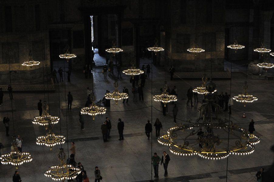 Zicht vanaf boven in de Aya Sophia, in Istanboel van Gonnie van de Schans