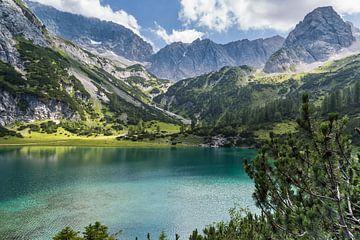 Bergsee in den Alpen von Peter Leenen