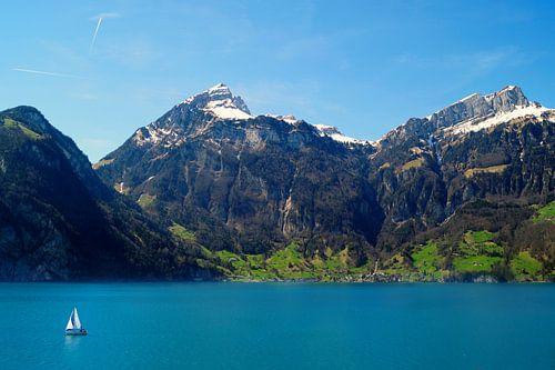 Zwitsers meer met bootje van Malissa Verhoef