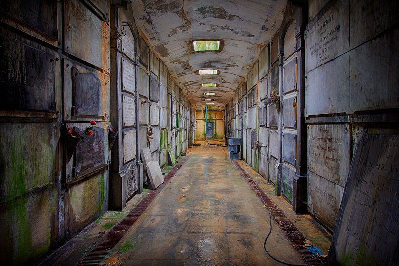 Urbex: Verlaten crypte van Carola Schellekens