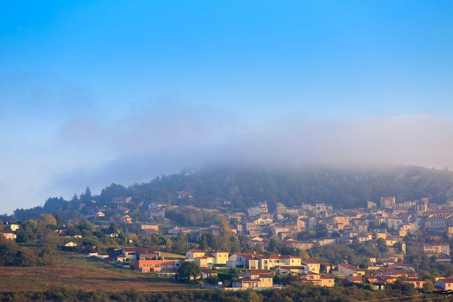 Frans dorp op een berghelling