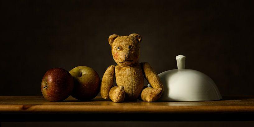 Stilleven teddybeer van Monique van Velzen