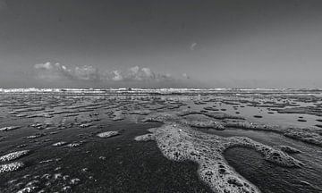 Strand Noordwijk Schwarz-Weiß von Frank Batenburg