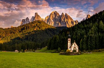Kapelle in den Dolomiten von Adelheid Smitt