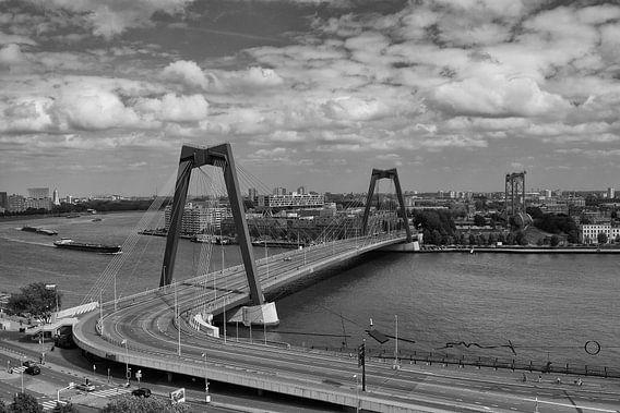 Willemsbrug vanaf het Witte Huis van Ilya Korzelius