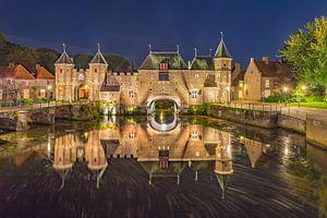 De Koppelpoort in Amersfoort in de avond - 10 van Tux Photography
