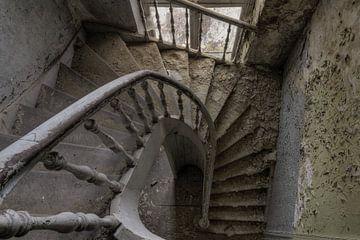 Decay Stairs von Vivian Teuns