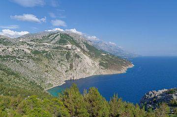 de kust van de Makarska Riviera van Peter Eckert