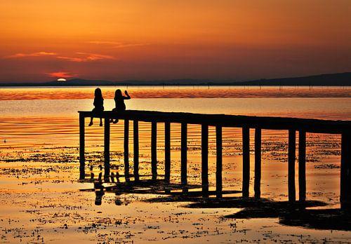Goodnight - a sunset at Laga Trasimeno van