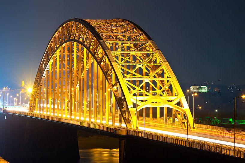 Waalbrug te Nijmegen van Anton de Zeeuw