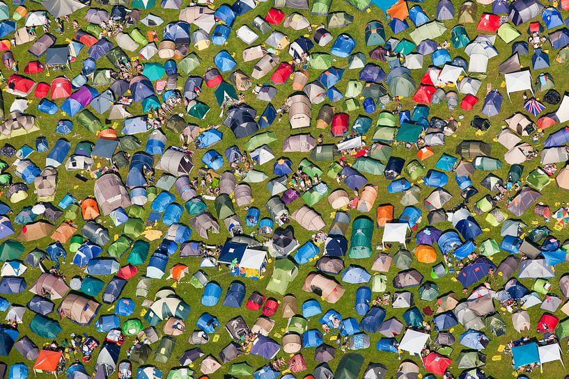 Photo aérienne des tentes sur le camping du festival de musique des Lowlands sur Frans Lemmens