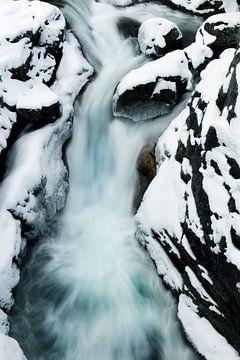 Waterval Noorwegen winter van Martina Ketelaar