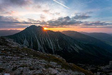 Zonsondergang boven de Bschießer van Leo Schindzielorz