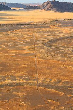 Wüstenlandschaft Namibia mit Bergen von Bobsphotography