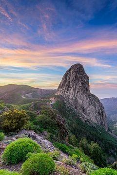 Roque Argando bij zonsopgang - La Gomera, Spanje van Dieter Meyrl