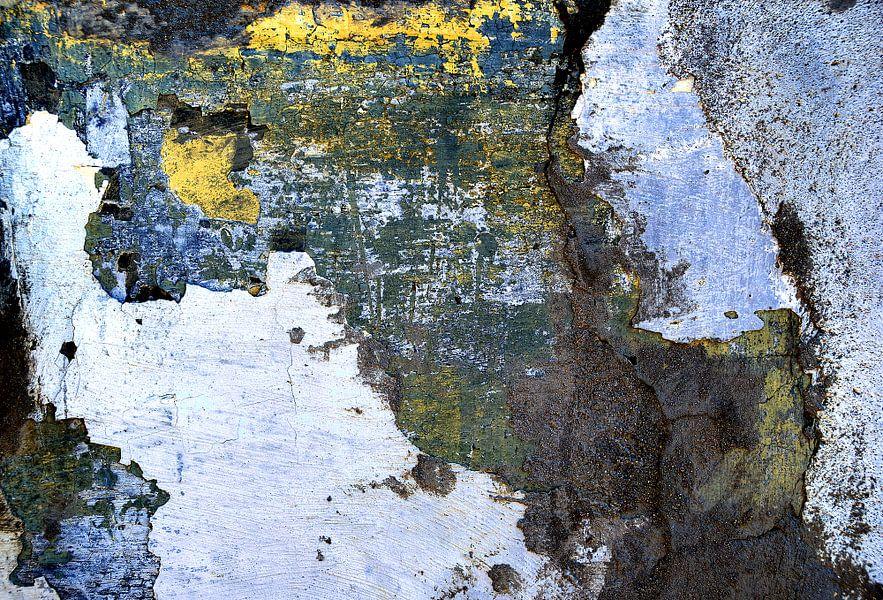 Abstracte muur: faces van Sigrid Klop