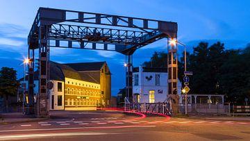 Hefbrug Eindhovenskanaal en DAF museum von Joep de Groot