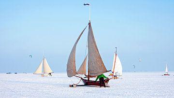 IJszeilen op de Gouwzee in Nederland van Nisangha Masselink