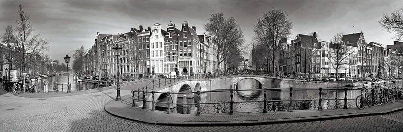 Panorama Keizersgracht Amsterdam in zwart-wit van Heleen van de Ven