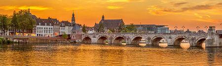 Maastricht Sankt Servatiusbrücke - Brücke über die Maas von Teun Ruijters