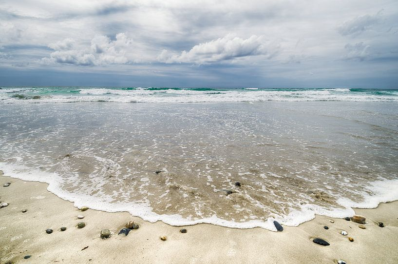 Schöne Wolken über dem Meer von Mark Bolijn